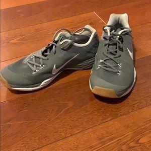 Nike tri fusion running shoe